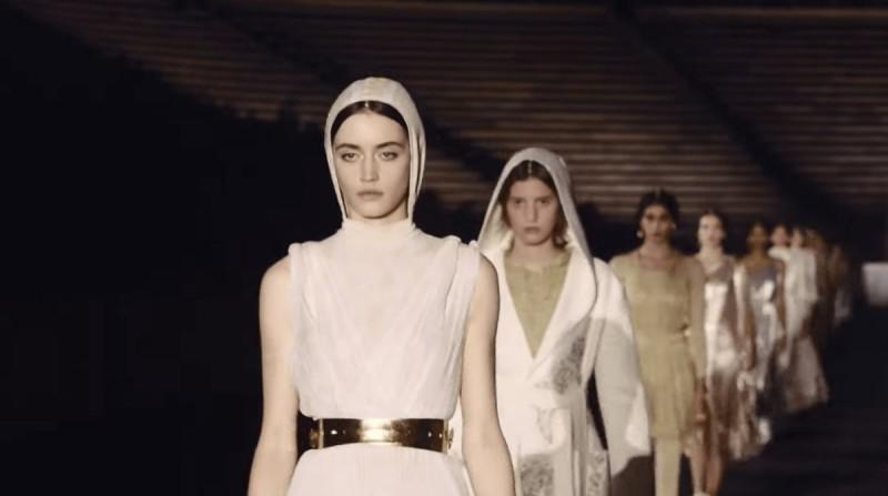 Η εμβληματική επίδειξη του Dior στο Καλλιμάρμαρο