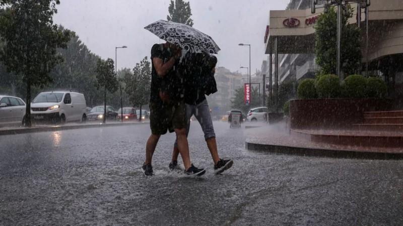 Καιρός: Βροχή και χαλάζι στην Αθήνα - Ακόμη μία ημέρα με καταιγίδες σήμερα