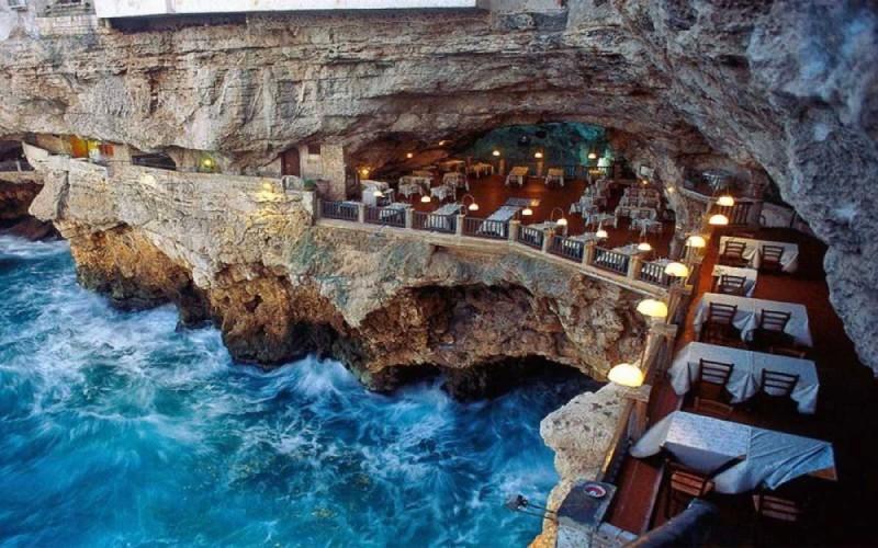 Grotta Palazzese, Μπάρι, Ιταλία