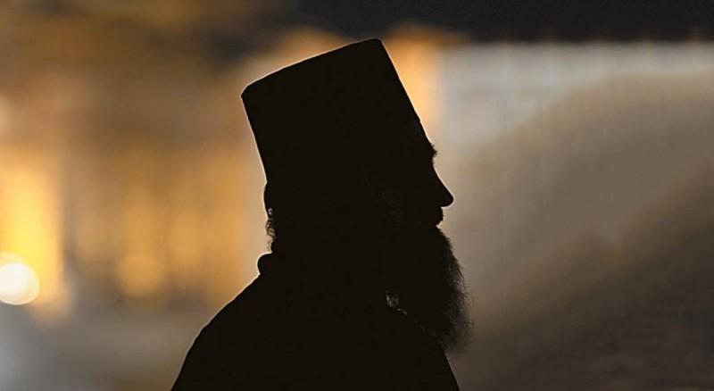 Συνελήφθη ιερέας για βιασμό ανηλίκου - Βρέθηκε παιδική πορνογραφία στον υπολογιστή του