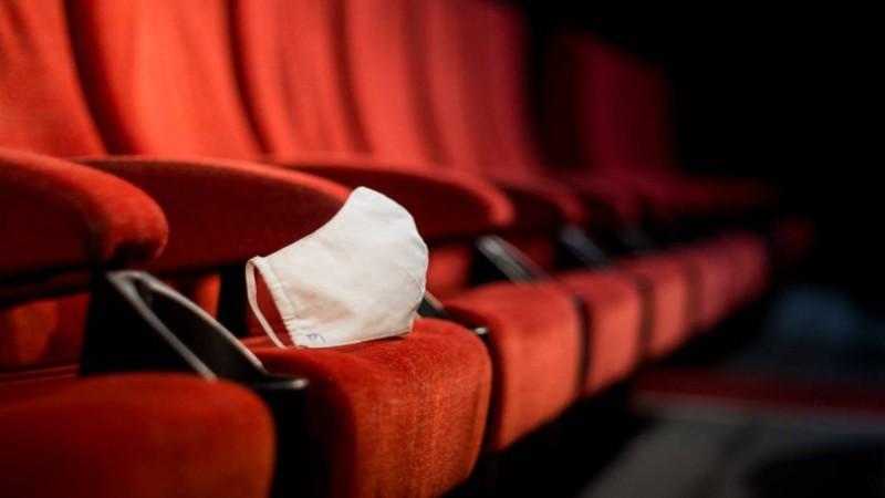 Άρση Μέτρων: Ανοίγουν κλειστοί κινηματογράφοι και παιδότοποι! Νέα χαλάρωση ανακοινώνει ο Χαρδαλιάς