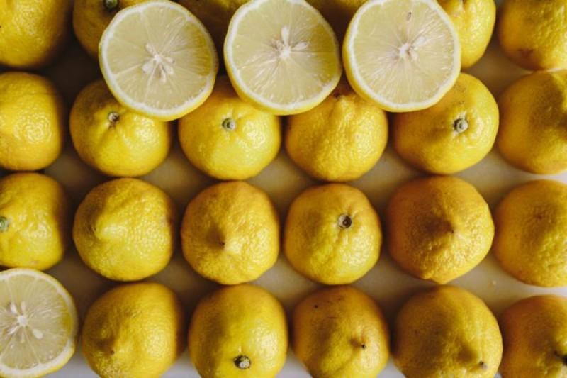Μπορεί σε μικρές ποσότητες το λεμόνι να κάνει καλό στον οργανισμό μας