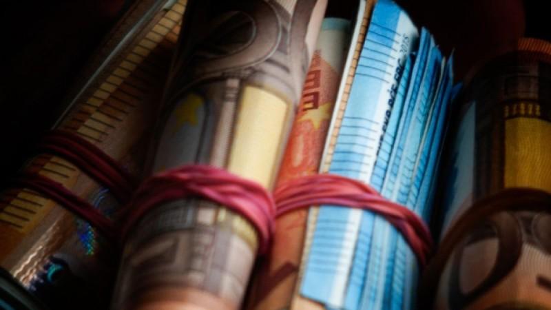 Βρέχει χρήμα: 5.240 ευρώ για 50.000 συνταξιούχους και πώς θα ρυθμίσετε τα χρέη σας σε 420 δόσεις - Ποιες είναι οι παγίδες