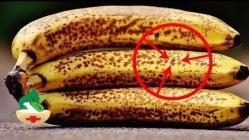 Tι συμβαίνει στο σώμα σας όταν καταναλώνετε ώριμες μπανάνες με μαύρα στίγματα - Πότε μπορούν να προκαλέσουν θάνατο;