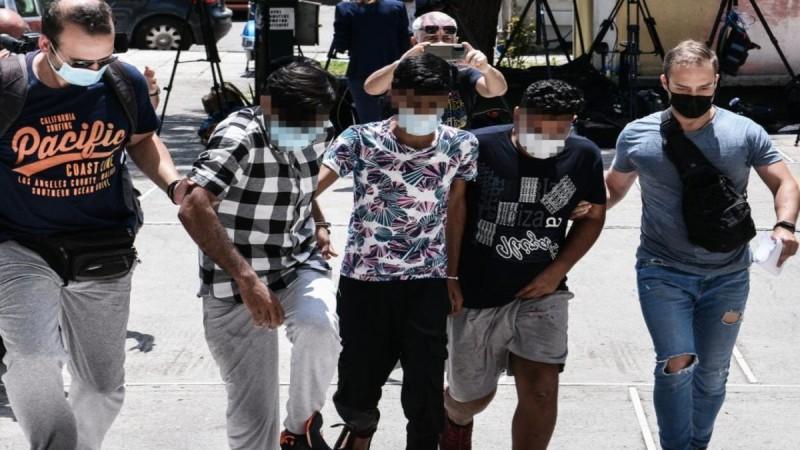Άγιος Παντελεήμονας: Στον εισαγγελέα οι τρεις Πακιστανοί που κατηγορούνται για τον βιασμό 25χρονης εγκύου