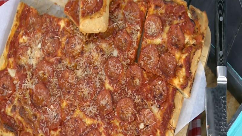 Είσαι λάτρης της πίτσας; Δοκίμασε αυτές τις συνταγές (Video)