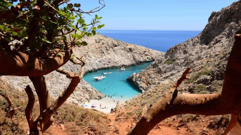 Η άγνωστη παραλία της Εύβοιας που θυμίζει πολύ τα Σεϊτάν Λιμάνια της Κρήτης!
