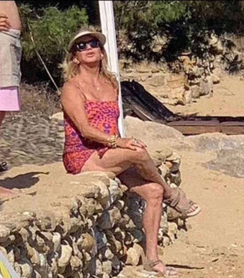 Η διάσημη ηθοποιός και μαμάς της, Γκόλντι Χον