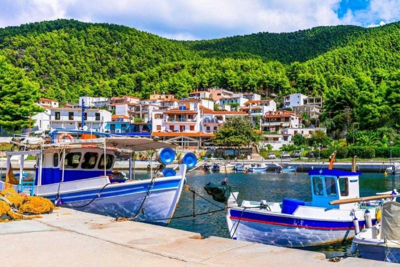 Σκόπελος λιμάνι