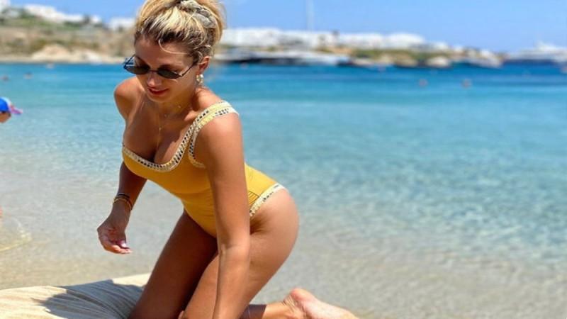 Κωνσταντίνα Σπυροπούλου: Ποζάρει με μαύριο μπικίνι και κολάζει το Instagram - Αποκαλύψεις για την τηλεοπτική της επιστροφή