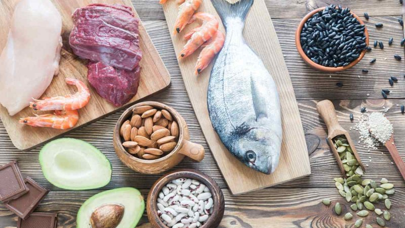 Αν παίρνετε αυτή την τροφή λίγο πριν κοιμηθείτε θα «σκοτώσετε» τον καρκίνο - Η καθοριστική σύνδεση της διατροφής
