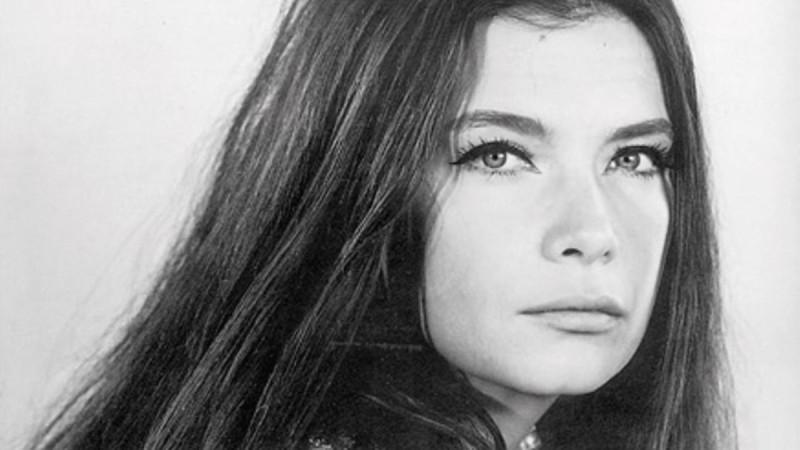29 χρόνια χωρίς την Τζένη Καρέζη - Το σπάνιο κλικ από τον γάμο της με τον Ζάχο Χατζηφωτίου