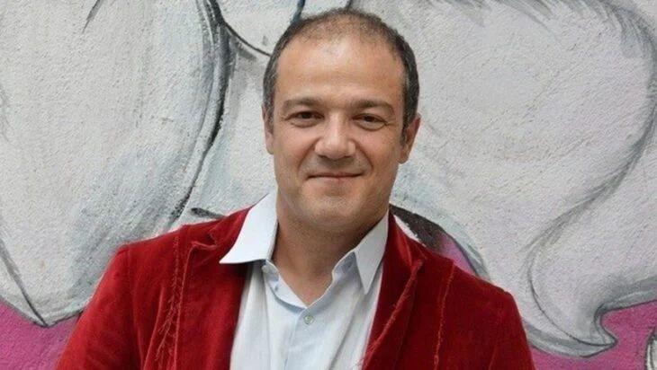 10 διάσημοι Έλληνες που έχουν συλληφθεί στο παρελθόν! Ποιοι μπήκαν στη φυλακή;