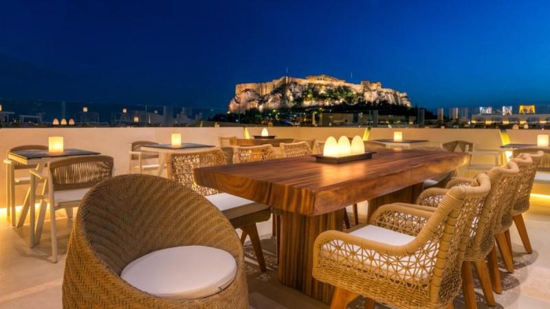 4+1: Οι καλύτερες ταράτσες με θέα την Ακρόπολη για όλα τα γούστα