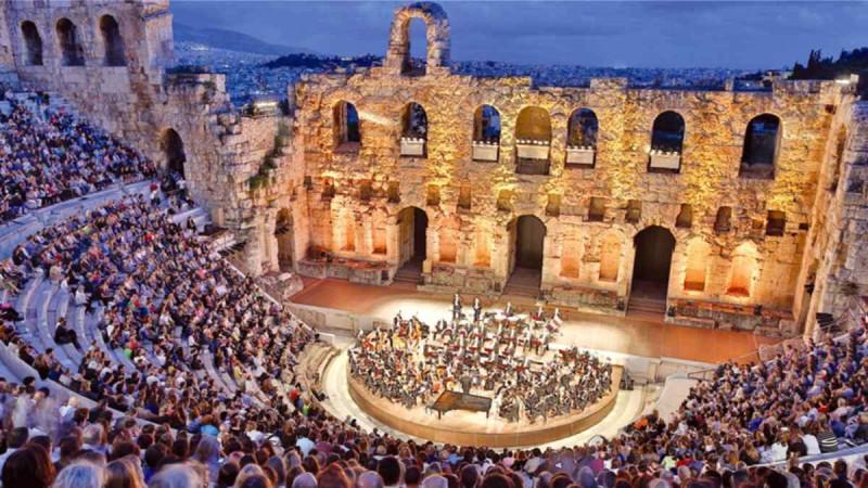 Αττική: Το πρόγραμμα των συναυλιών και των θεατρικών παραστάσεων για τον Αύγουστο