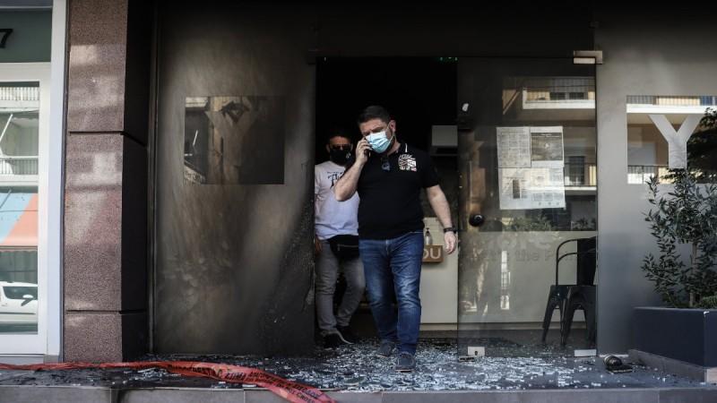 Αντιεξουσιαστικές ομάδες ανέλαβαν την ευθύνη για τις επιθέσεις στα καταστήματα της συζύγου του Χαρδαλιά και το σπίτι του Πρετεντέρη