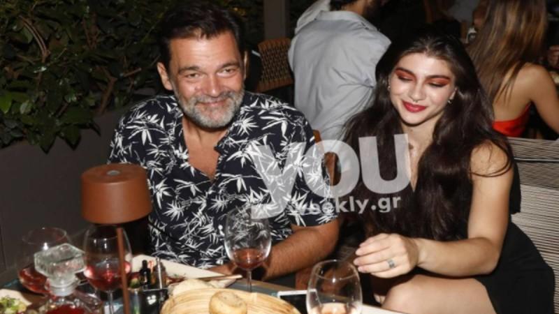52 αυτός 23 η κοπέλα - Η πρώτη δημόσια εμφάνιση του Κωνσταντίνου Καζάκου με την σύντροφό του