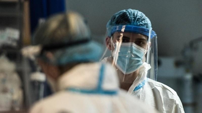 Κορωνοϊός: Συνεχίζει να «πολιορκεί» Αττική και Κρήτη η πανδημία - «Καλπάζει» η μετάλλαξη «Δέλτα»