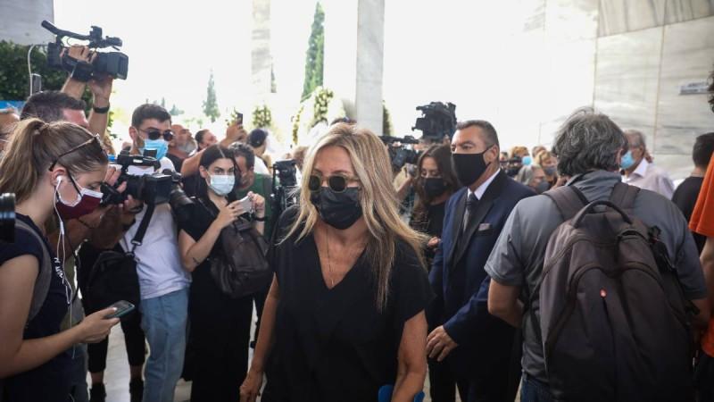 Τόλης Βοσκόπουλος: Στην κηδεία του με πατερίτσα η Μαρέβα Μητσοτάκη