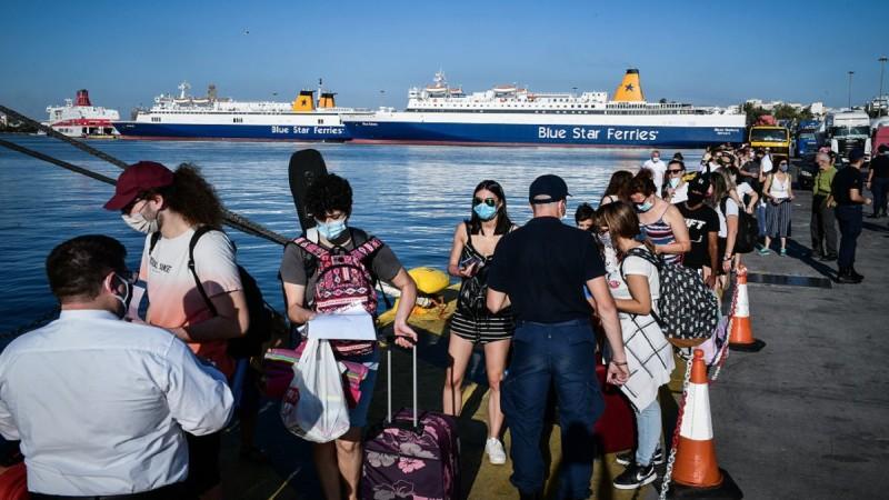 Πλακιωτάκης: Μπλόκο σε 2.500 ταξιδιώτες το τριήμερο λόγω... ελέγχων