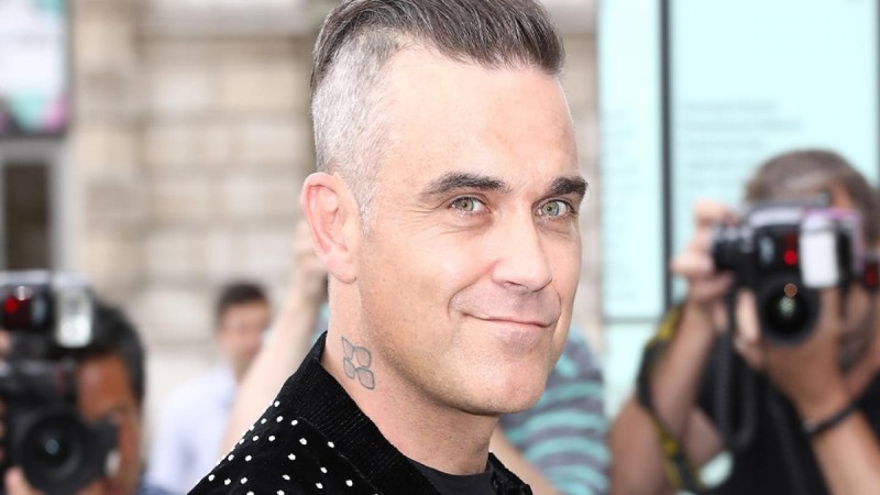 Robbie Williams: Κάνει διακοπές στη Μύκονο