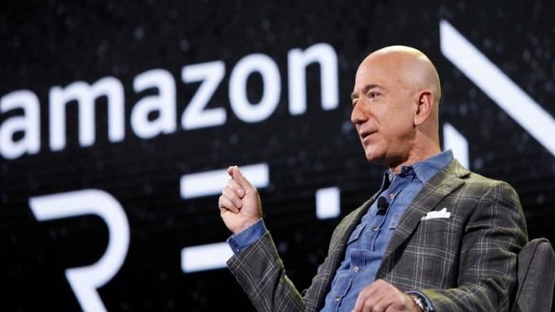 Amazon: Παραδίδει το τιμόνι της εταιρείας ο Τζεφ Μπέζος