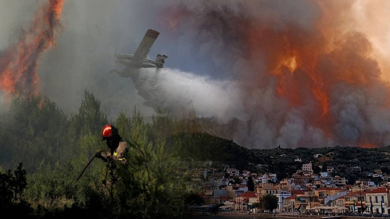 Θρίλερ με την πυρκαγιά στην Εύβοια: «Η φωτιά θα εξαπλωθεί από την Χαλκίδα μέχρι την Ιστιαία, θα καούν και άνθρωποι»