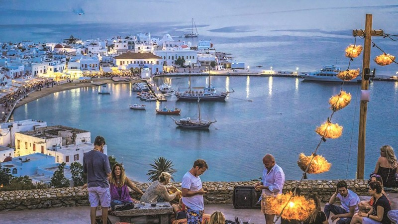 Έρευνα: Οι Έλληνες δεν αντέχουν ούτε διακοπές μίας εβδομάδας οικονομικά – Στη χειρότερη θέση σε όλη την Ευρώπη