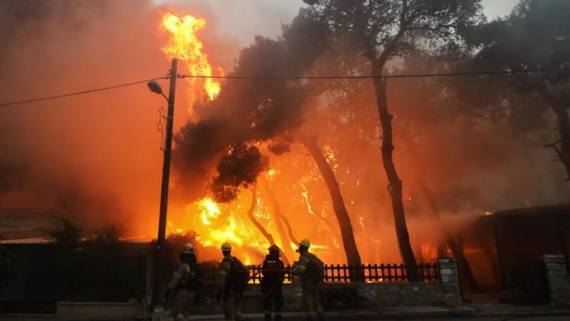 Φωτιά Βαρυμπόμπη: Σε ξενοδοχεία με έξοδα του κράτους η διανυκτέρευση των πυρόπληκτων