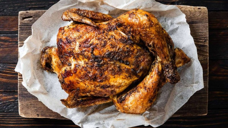 Κοτόπουλο στο φούρνο: Ο απόλυτος τρόπος για να πετύχεις την πέτσα