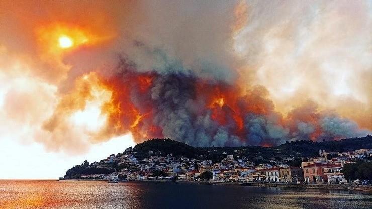 λίμνη εύβοια φωτιά
