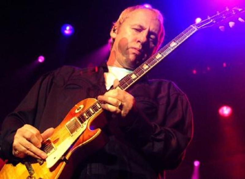 Μαρκ Νόπφλερ, βρετανός κιθαρίστας και τραγουδιστής των «Dire Straits».