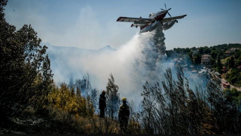 Πύρινη κόλαση και στη Μεσσηνία: Αναζωπύρωση της πυρκαγιάς - Εκκενώνονται οικισμοί - Μήνυμα από το 112