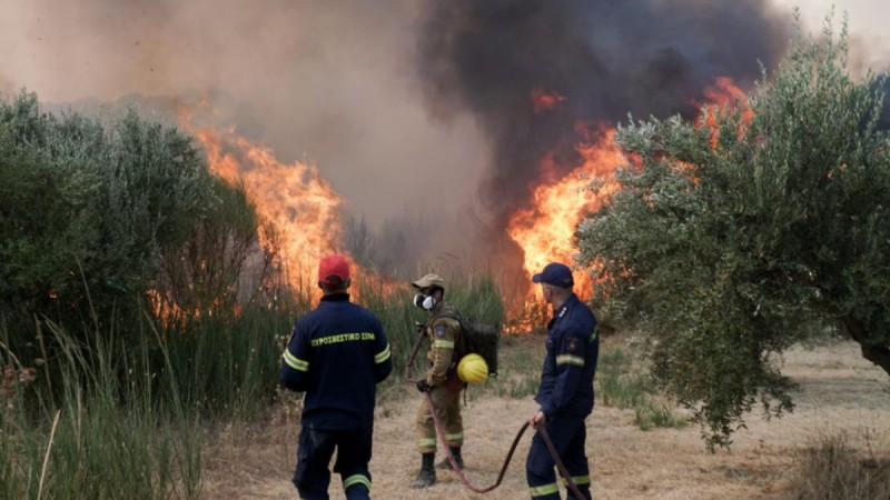 Τραγική εξέλιξη με την πυρκαγιά στην Αττική: Δύο πυροσβέστες δίνουν μάχη στην εντατική!