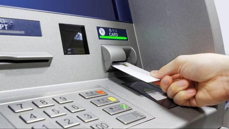 Απάτες με τις τράπεζες: Έτσι κλέβουν τραπεζικούς κωδικούς - Τι να προσέξετε
