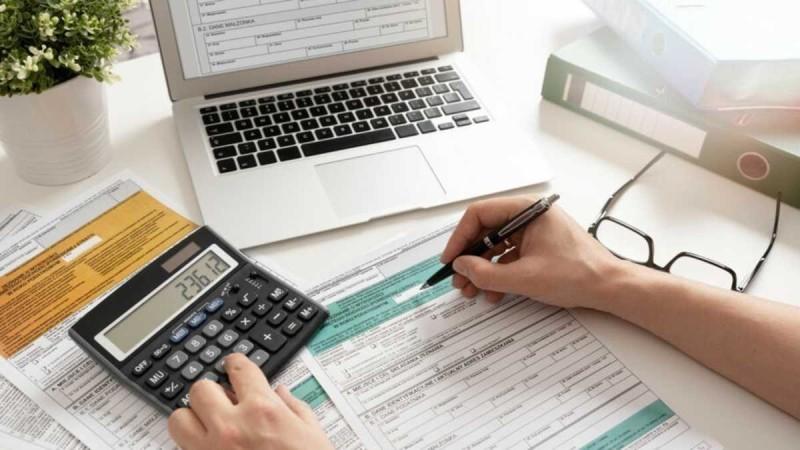 Φορολογικές δηλώσεις: Τελειώνει σήμερα (15/9) η προθεσμία υποβολής τους - Ποιοι δεν πληρώνουν φόρο και η εισφορά που αφαιρείται