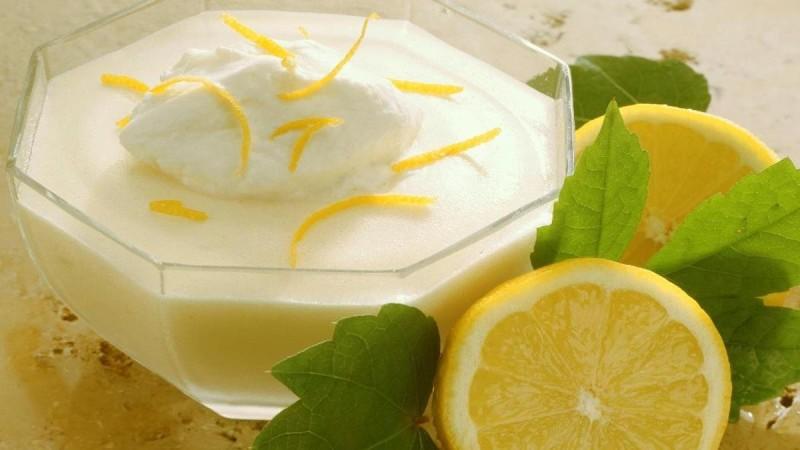 Επιδόρπιο γιαουρτιού με lime - Έτοιμο στο πι και φι!