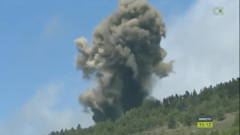 Έκρηξη ηφαιστείου στην Ισπανία - Απομακρύνθηκαν κάτοικοι (vid)