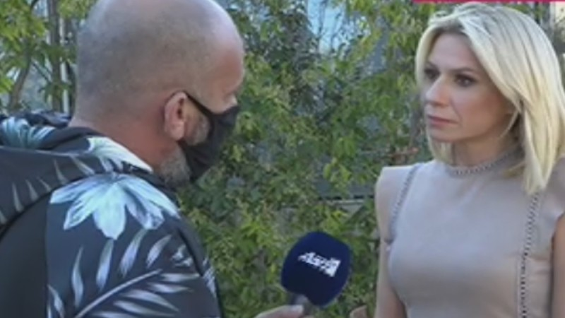 Σε άβολη θέση η Κατερίνα Καραβάτου: «Άλλη ερώτηση, δεν θα μιλήσουμε για τον Κρατερό»