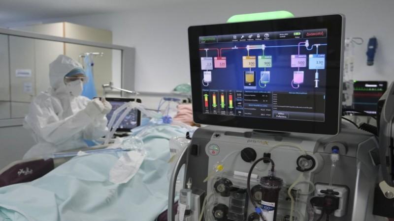 Κορωνοϊός: Η ανατριχιαστική μάχη ασθενών και γιατρών για μία ανάσα - Συγκλονιστικό βίντεο-ντοκουμέντο από το Λαϊκό