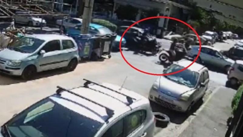 Ληστεία - Τράπεζα Μητροπόλεως: Καρέ καρέ η σύλληψη του δράστη (vid)