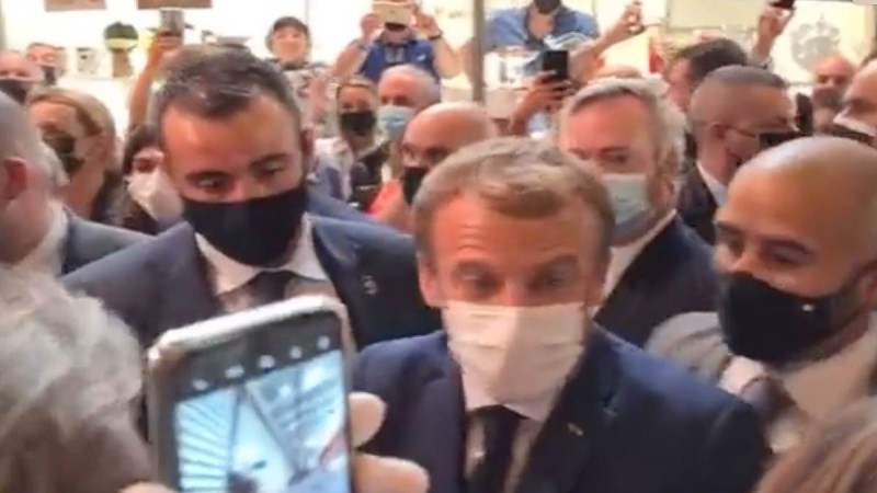 Γαλλία: Πέταξαν «αυγό» στον Μακρόν - Συνελήφθη ένα άτομο