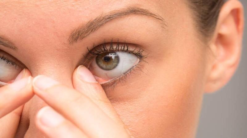 Επιθετικός καρκίνος στον πνεύμονα: Αν γίνεται αυτό με τα μάτια σας τότε τρέξτε στον γιατρο!