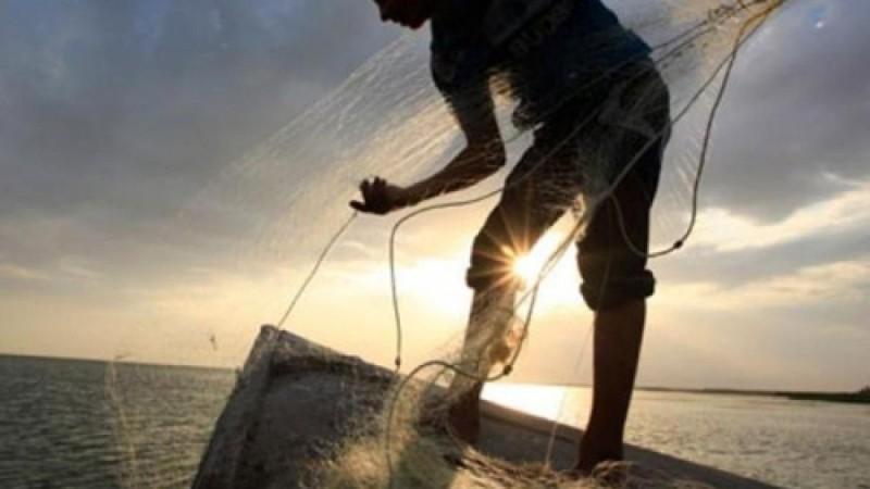 Βόλος: Γιατί ο ψαράς που βρήκε το πτώμα στα δίχτυα του το πέταξε ξανά στη θάλασσα - Τι ισχυρίστηκε