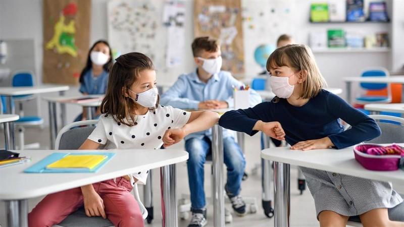 Σχολεία: Όλα τα μέτρα για την επιστροφή στα θρανία αύριο Δευτέρα 13/9 - Πώς θα εκδώσετε την σχολική κάρτα και βήμα-βήμα η διαδικασία για το self test