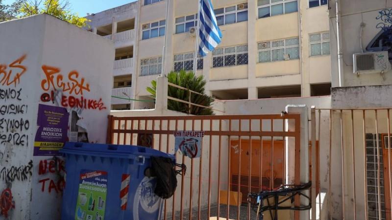 Γιώργος Παυλάκης: «Να γίνει υποχρεωτικός για όλους ο εμβολιασμός - Να στηθούν συνεργεία στα σχολεία»