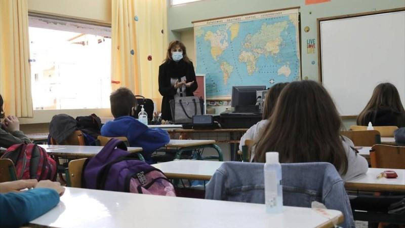 Σχολεία με... παρατράγουδα: Έπεσε η πλατφόρμα για τη σχολική κάρτα - Όλα τα μέτρα για την νέα χρονιά