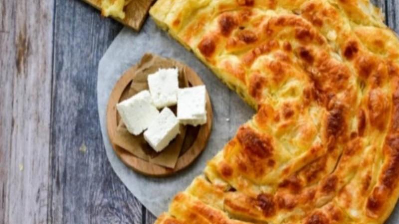 Αφράτη τυρόπιτα σαν κέικ – Πανεύκολη και λαχταριστή- Λιώνει στο στόμα