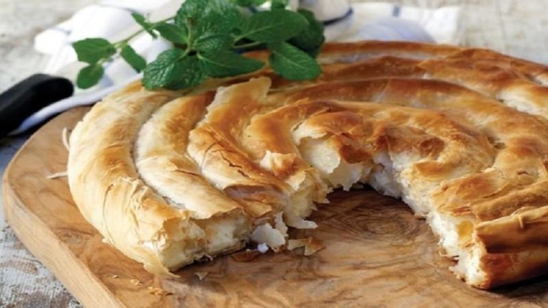 Η απόλυτη πίτα: Τυρόπιτα στριφτή με φέτα και δυόσμο