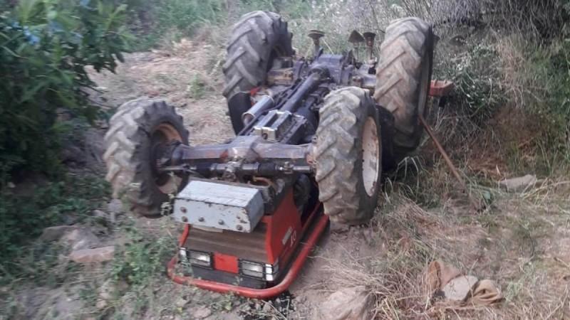 Θρήνος στην Εύβοια: Αγρότης καταπλακώθηκε από το τρακτέρ του